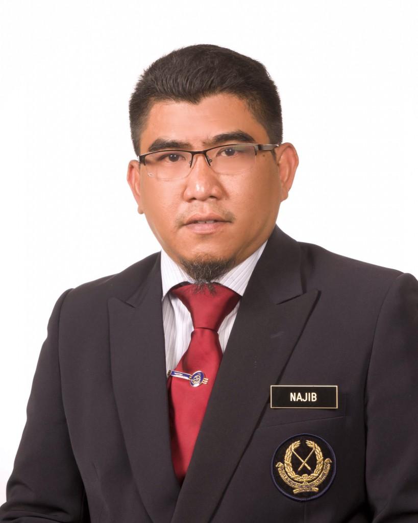 7. Najib Bin Ishak (PEGAWAI PELAJARAN)