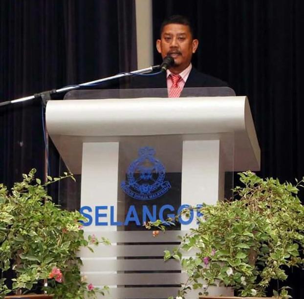 Pengerusi PACSU Selangor sedang menyampaikan ucapan